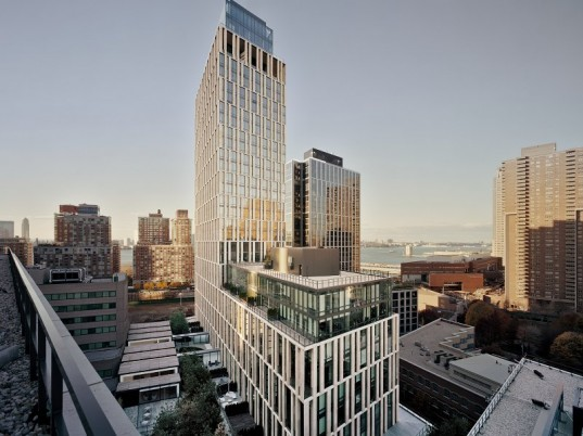 101 Warren Street Is A 35 Story 227 Inium 132 Rental Apartment Building Located In Tribeca Between Greenwich And West