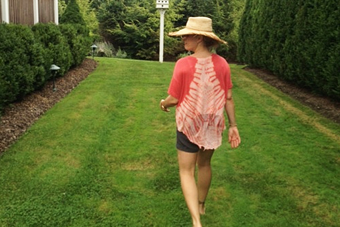the-summer-life-a-garden-barbecue
