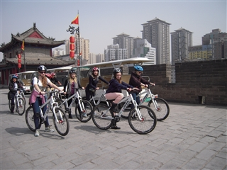 Middle School students riding bicycles on the Xi'an city wall (March 2013)