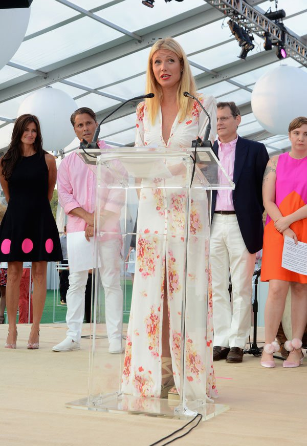 Gwenth Paltrow Toast to Paddle & Party for Pink