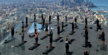 YOGA Workout Hudson Yards - Claudia Saez-Fromm